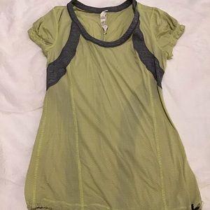 Lululemon running shirt, 4, GUC